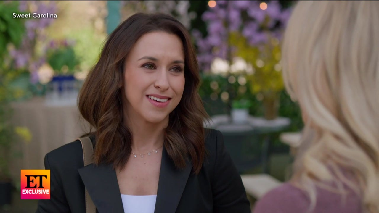 Lacey Chabert Stars in Hallmark Channel's 'Sweet Carolina': First Look