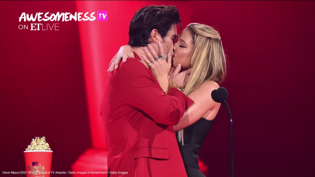 Daily Report: Addison Rae & Tanner Buchanan's Steamy Kiss